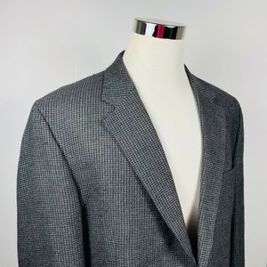 Jos A Bank  48R Sport Coat Black Gray Houndstooth